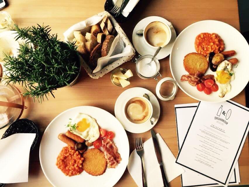 Śniadanie w Drukarnia Skład Wina & Chleba Poznań